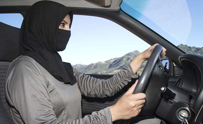 Saudi Woman Restriction.marathipizza