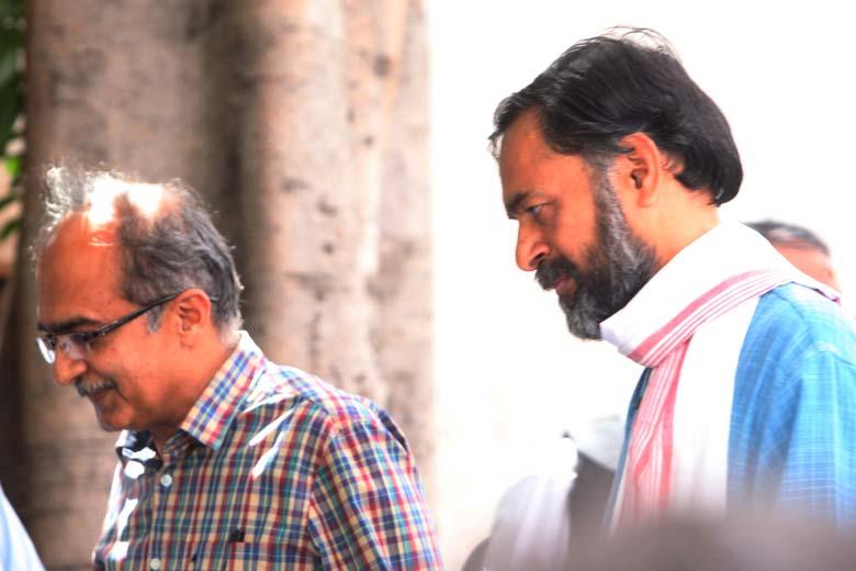 Prashant-Bhushan-Yogendra-Yadav-AAP-marathipizza
