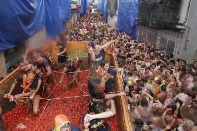 la-tomatina-marathipizza03