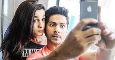 indian guy selfie inmarathi