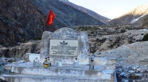 nelang-valley-soldier-memorial-inmarathi