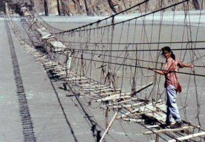Dangerous bridges in the world.Inmarathi4