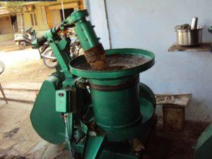 TEL-GHANI-MACHINE-inmarathi