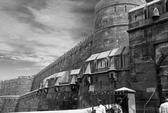 agra-fort_chrismas InMarathi