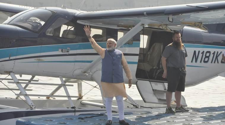 modi-seaplane-01-inmarathi