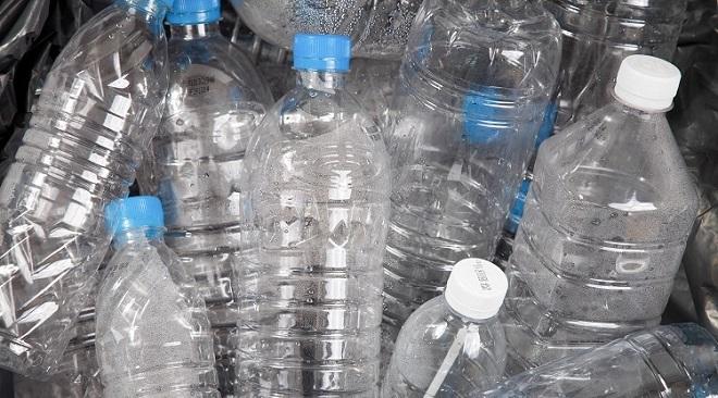 plastic water bottles InMarathi