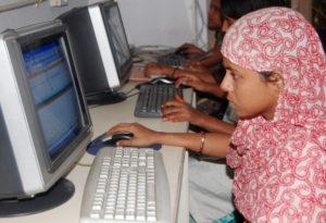 computer-literacy-woman_inmarathi