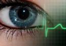 डोळ्यांच्या पापण्या फडफडण्यामागे हे रंजक कारण आहे
