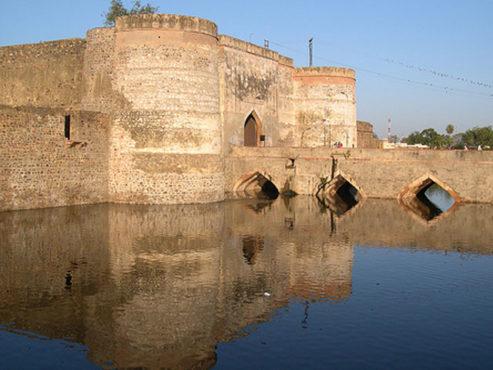 lohagarh-fort-bharatpur-inmarathi01
