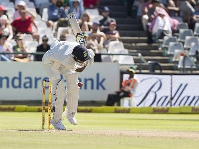 pandya-wicket-inmarathi
