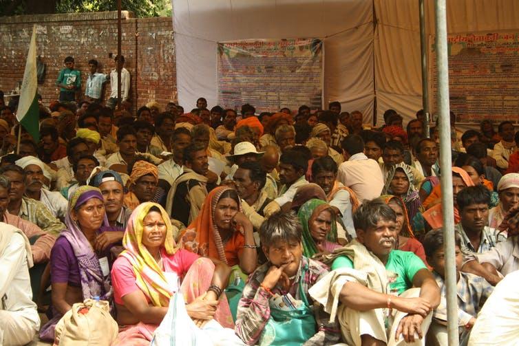 social-opression-inmarathi