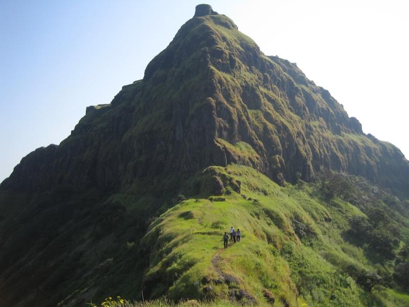 trekking-to-rajgad-fort-inmarathi