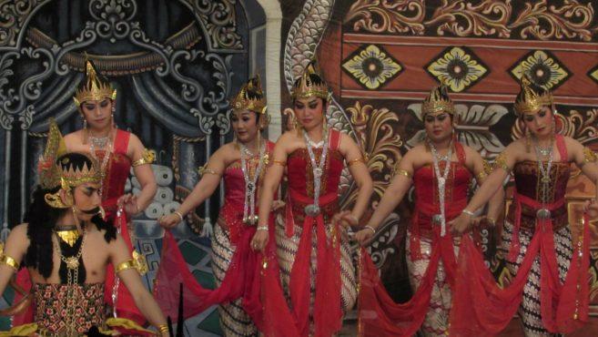Indonesian Muslims use Hindu names.Inmarathi