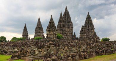 Indonesian-Muslims-use-Hindu-names.Inmarathi1