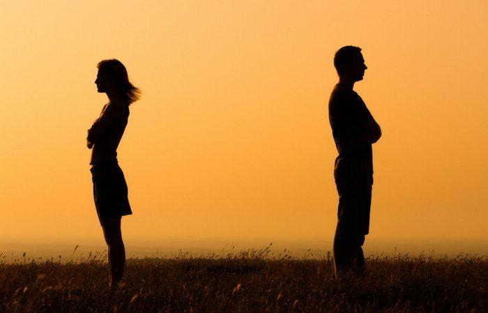 Long Distance Relationship.Inmarathi3