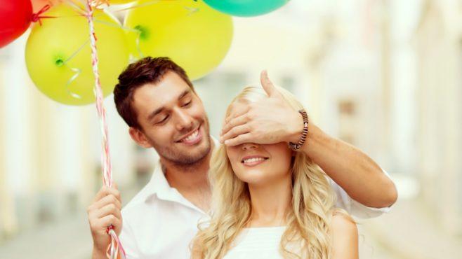 Love-Surprise-for-his-girlfriend-inmarathi