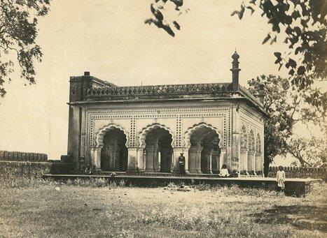 aurangzebs-tomb-ahmednagar-inmarathi