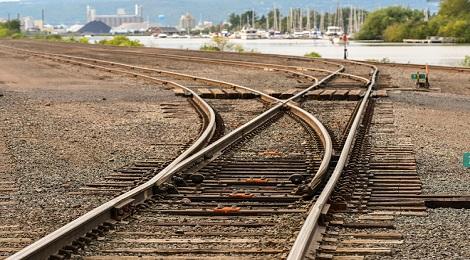 train-tracks-inmarathi07