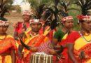 भारतातील हे आदिवासी लोक प्रेम करण्याच्या बाबतीत आपल्याही कित्येक पावले पुढे आहेत!
