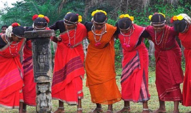 valentine day bastar tribe-inmarathi01