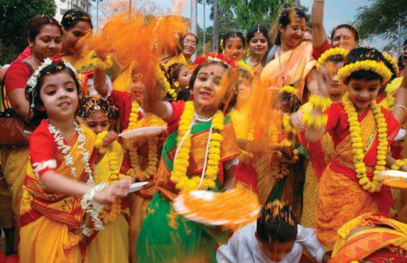 Dol-Jatra-Bengal-inmarathi