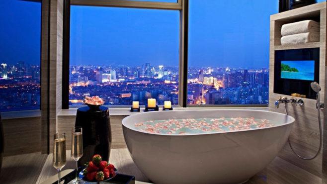 Hotel-bathtub-inmarathi04