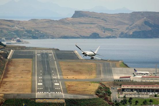 Most dangerous airport runway.Inmarathi3
