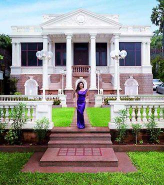 Shah-Rukh-Khan-Mannat-inmarathi08