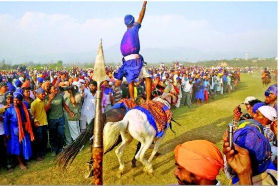hola-mohalla-inmarathi