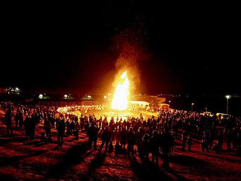 holi-festival-photos-inmarathi20