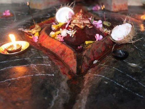 Kamakhya temple worship vagina.Inmarathi3