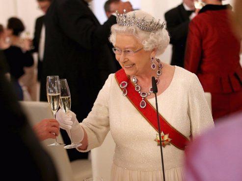 queen-elizabeth-inmarathi01