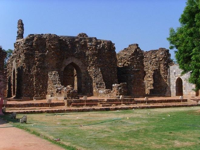 Alauddin_Khilji_Tomb_Main InMarathi