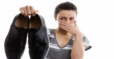 how to get rid of smelly shoes-inmarathi05