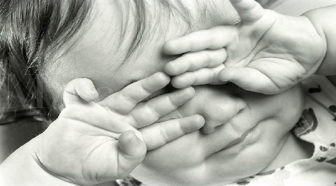 rubbing-eyes-inmarathi