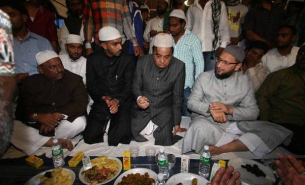 Mass-iftar-inmarathi