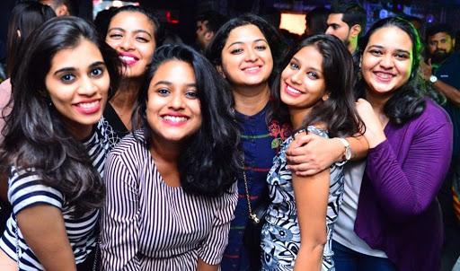 girls at clubs inmarathi