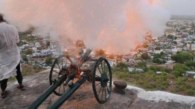 raisen-cannon-for-ramzan-inmarathi02