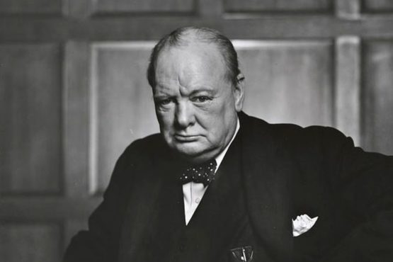 Sir_Winston_Churchill_inmarathi