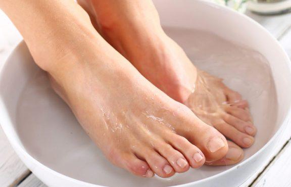 Soak-Feet-In-Lukewarm-water-inmarathi