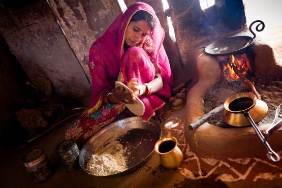 husband housework-inmarathi05