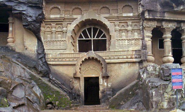 Pandav-caves-inmarathi