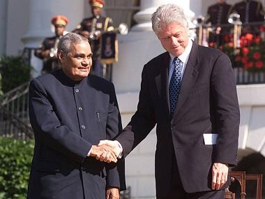 Vajpayee-Clinton-inmarathi