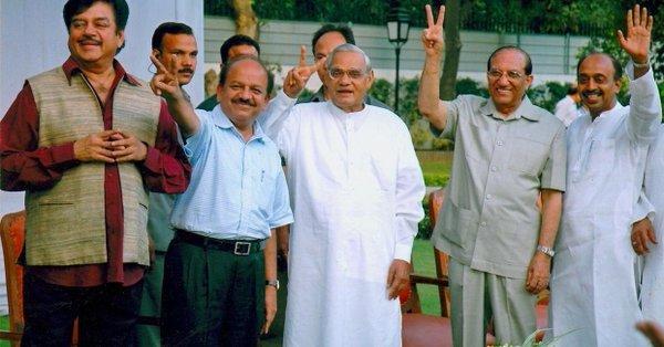 atal-bihari-vajpayee-inmarathi05