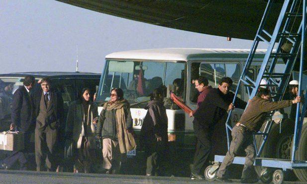 kandahar-hijacking-inmarathi01