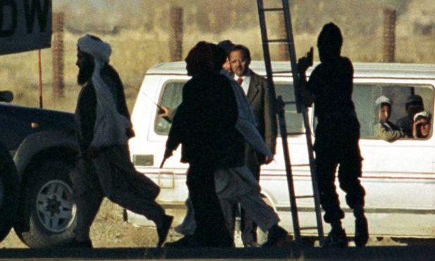 kandahar-hijacking-inmarathi02
