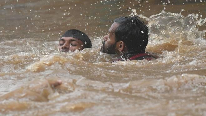 kerala-floods.inmarathi