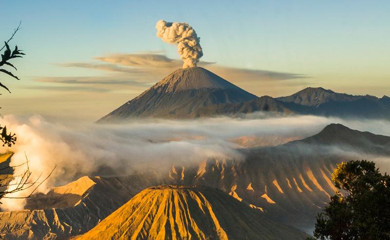 mount-bromo-indonesia-volcano-inmarathi