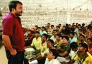 आयआयटीच्या परीक्षेत ३० पैकी २७ विद्यार्थ्यांना यश मिळवून देणाऱ्या एका शिक्षकाच्या संघर्षाची कथा