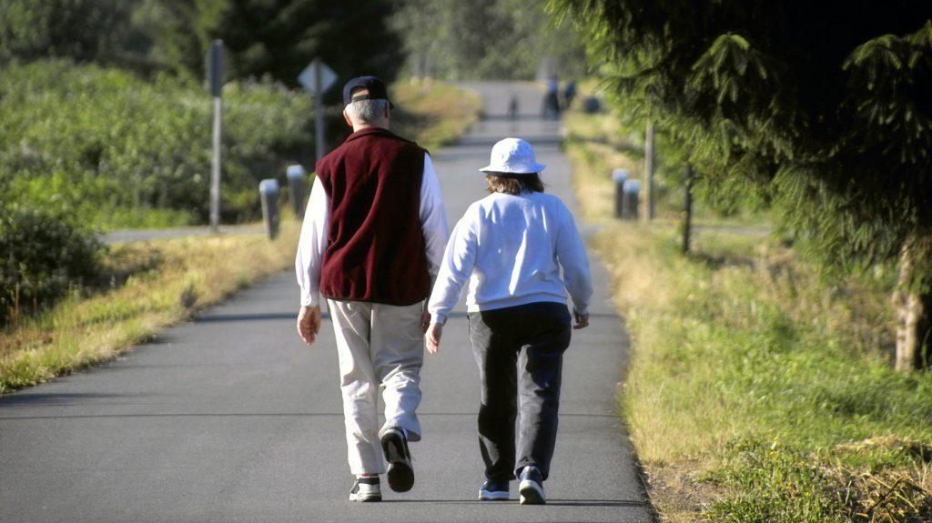 walking-elderly-inmarathi